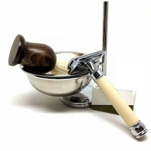 Shaving Set With Safety Razor
